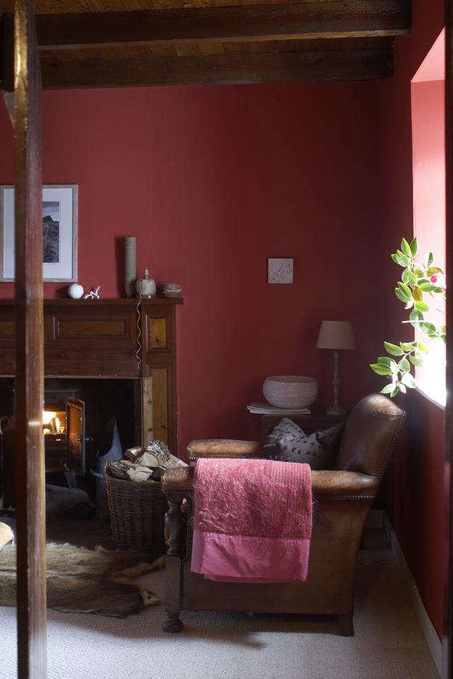 640 papastour croft red room
