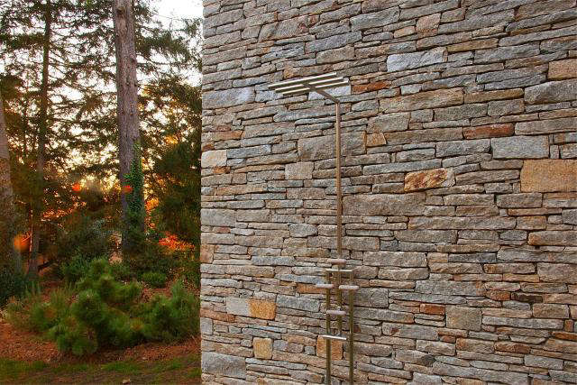 640 rm mclean house outdoor shower