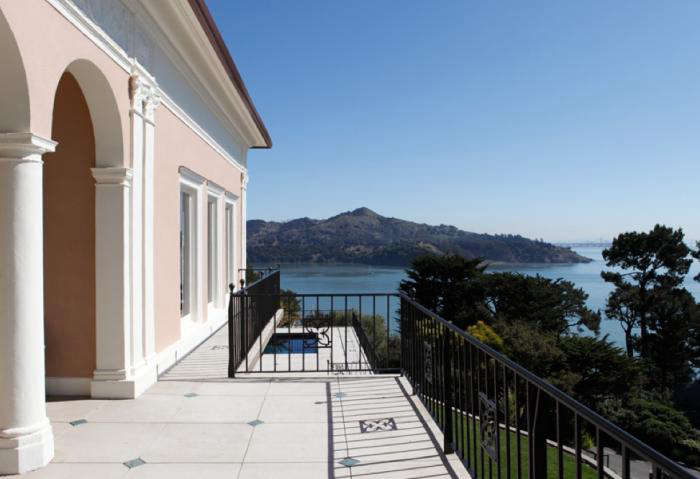 700 belvedere house entry
