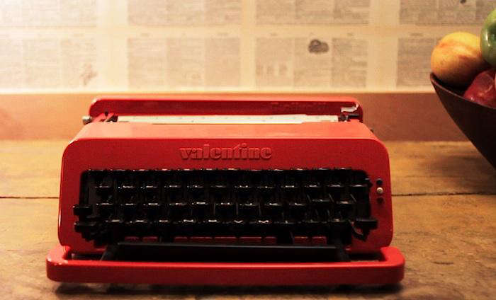 700 pg video typewriter