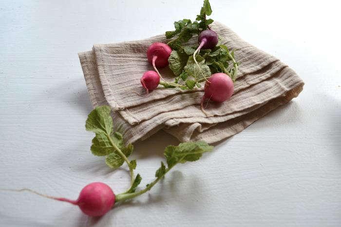 700 rm radishes on linens