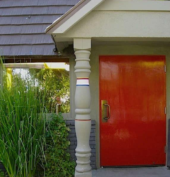 a frame red door ihop