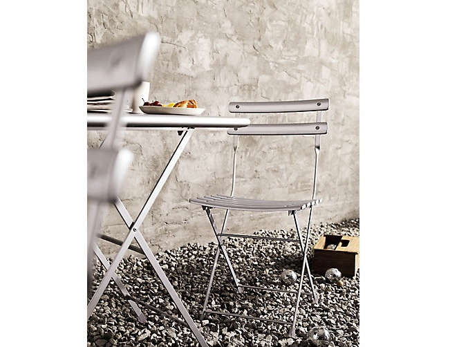 10 easy pieces bistro table and chairs for two