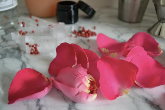 700 diy rose pepper grapefruit cocktail 02