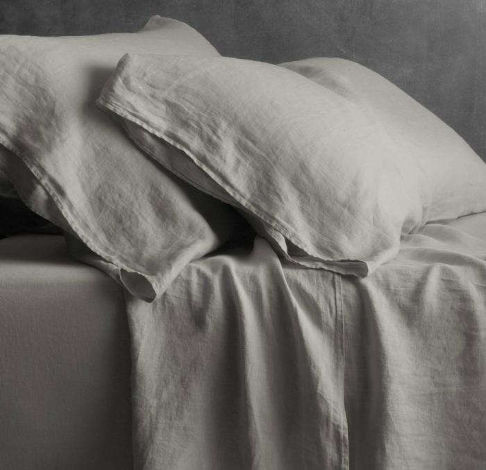 700 linen pillowcase flat sheet via gardenista