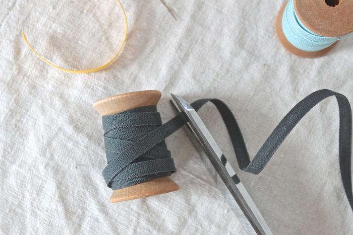 700 studio carta iron ribbon