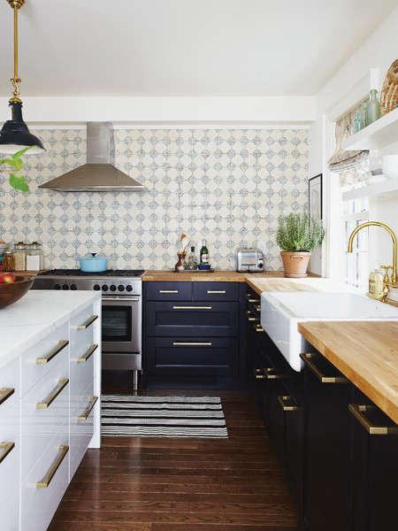 5 Favorites Classic Delft Tiles in Modern Settings portrait 7