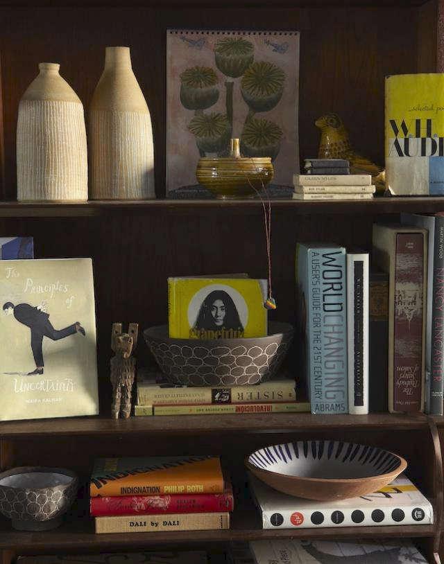 640 update paula greif bookshelf detail