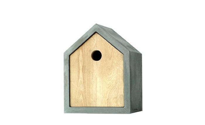 700 1das rote birdhouse stand alone photo
