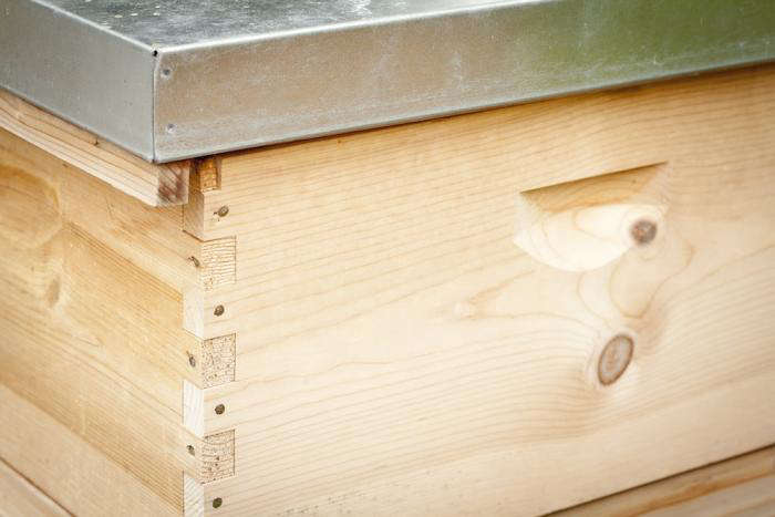 700 backyard beekeeping bee hive