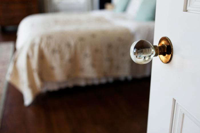 700 belvedere crystal doorknob