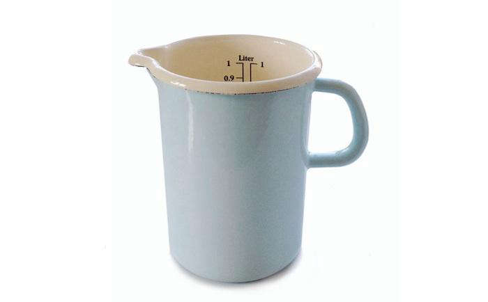 700 blue enamel measuring cup