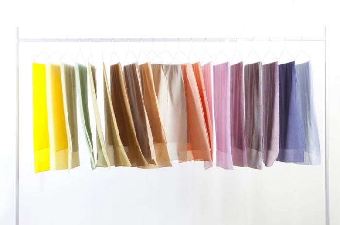 700 raw textile hanging fabrics 01