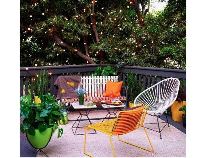 700 mod la patio with twinkly lights