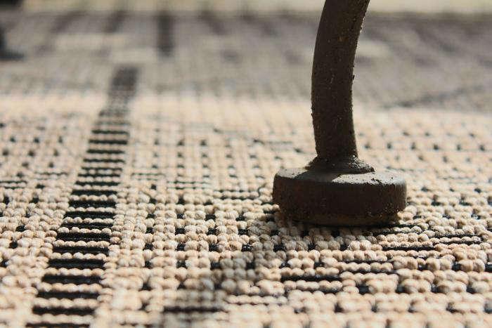 700 outdoor rug pottery barn closeup
