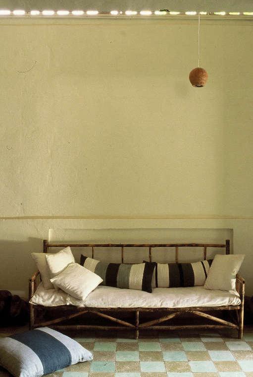 Accessories Pillows from Niarela Rue 420 portrait 3
