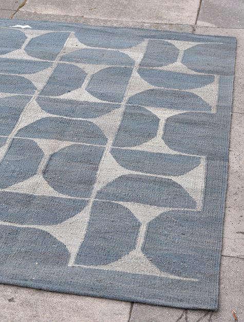 Dhoku rug gray half circles