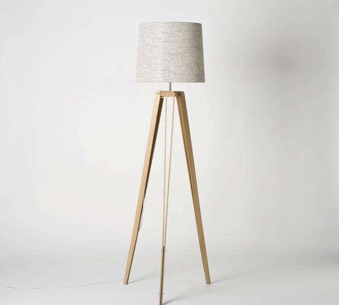 700 1700 1rs tripod lamp