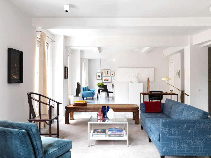 700 annabelle selldorf blue couches 10