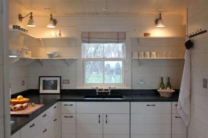 700 cottage house white kitchen open shelving