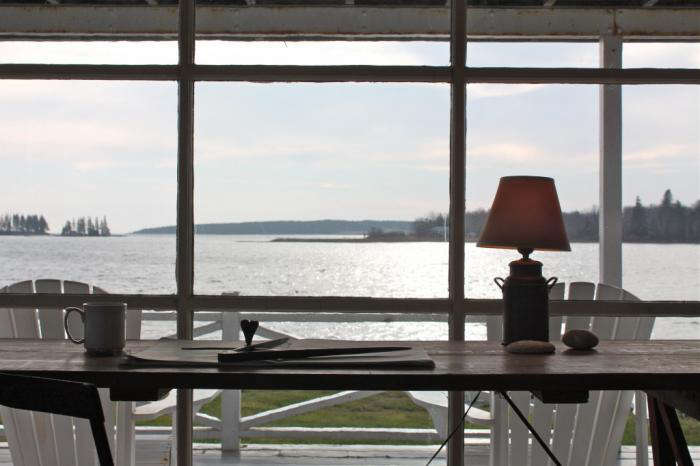 700 harbor cottage desk outlook