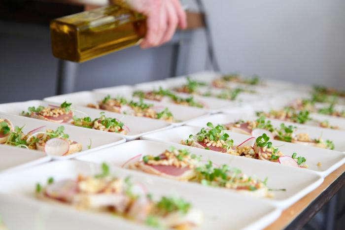 700 marche dinner plated tuna fish