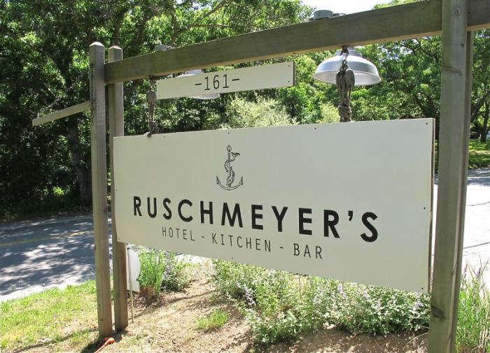 700 ruschmeyers outdoor sign