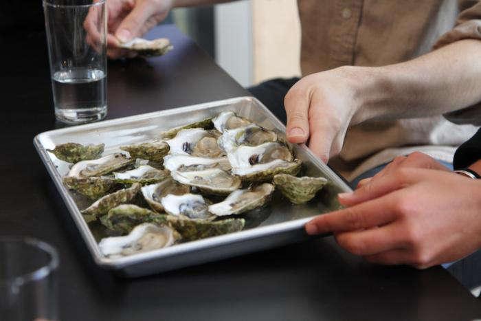 700 silkstone loft tray of oysters