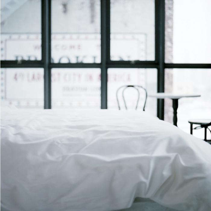 700 wythe bed white linens