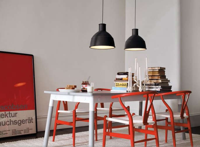 Deal of the Day Adaptable Table from Muuto portrait 3