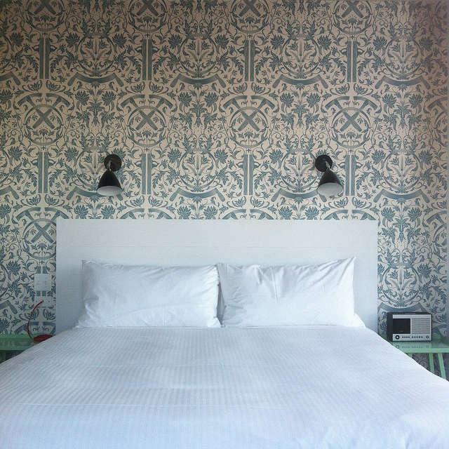 whyte hotel blue wallpaper