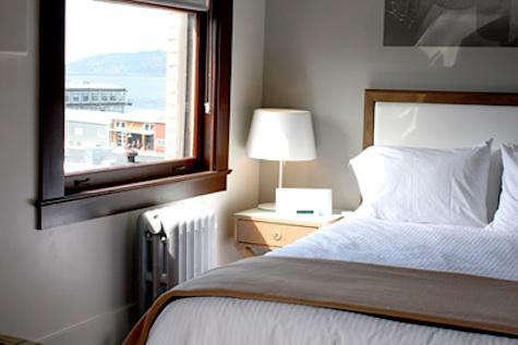 Hotels  Lodging Commodore Hotel in Astoria Oregon portrait 7