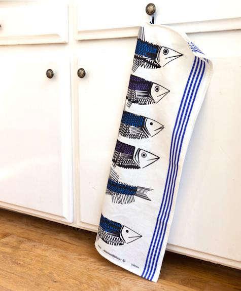 huset fish tea towel 2