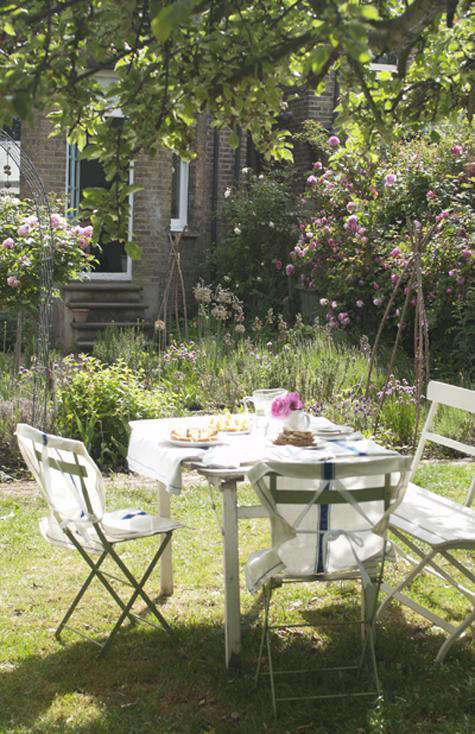 Tablescapes Tea in the Garden with Jane Cumberbatch portrait 3