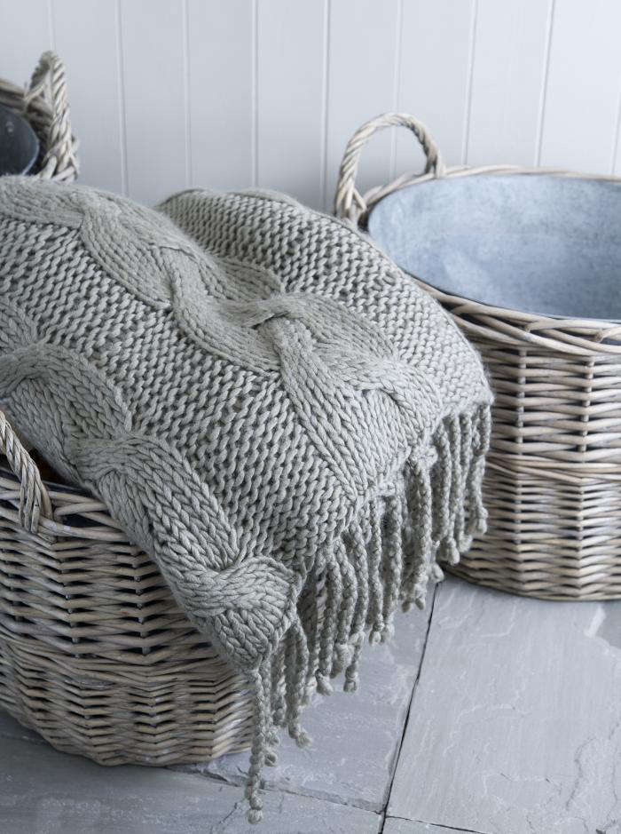 700 blanket and basket