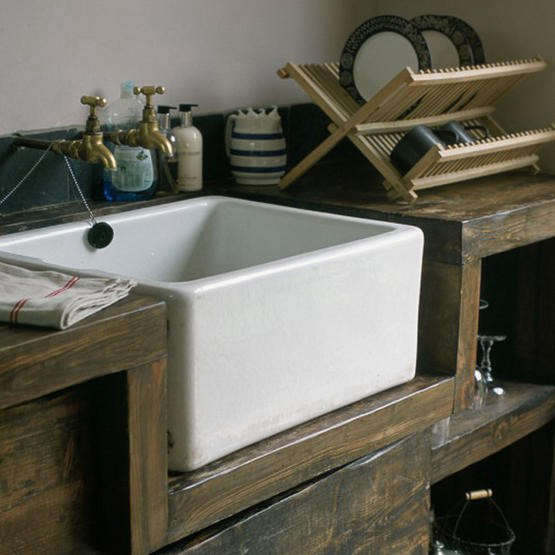 ceramic farm sink wood counter