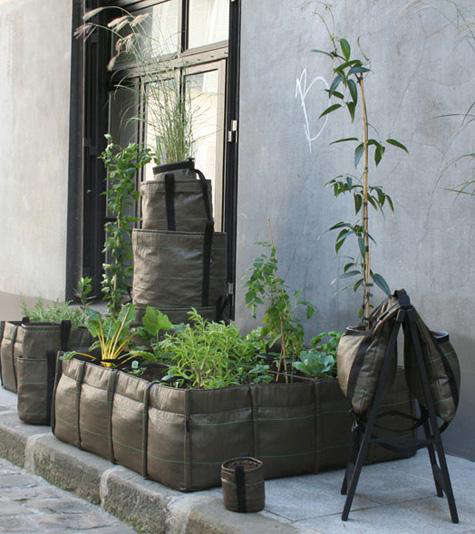 Outdoors Mobile Garden Containers by Bacsac portrait 6
