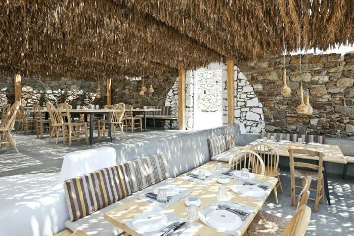 700 alemagou restaurant mykonos 03