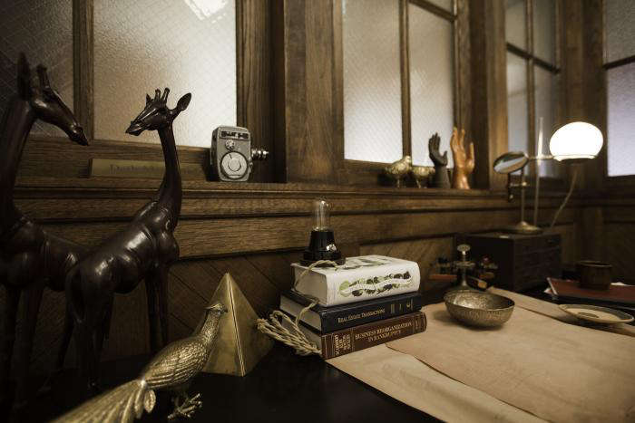 700 cassowary desk detail