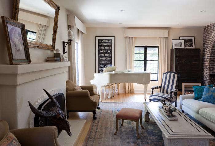 700 estee stanley white piano