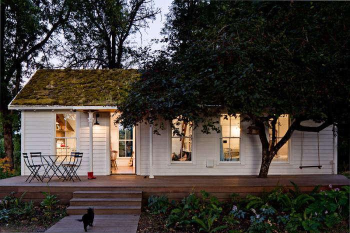 700 jessica helgerson cottage exterior night