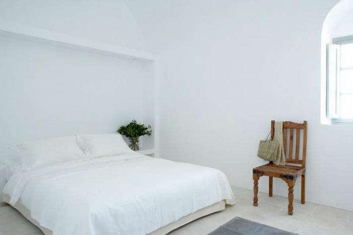 700 villa fabrica white bed