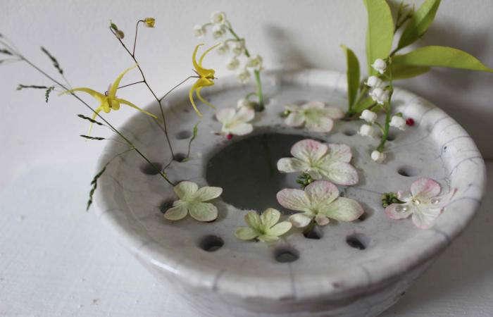 700 cecile daladier vase tiny flowers
