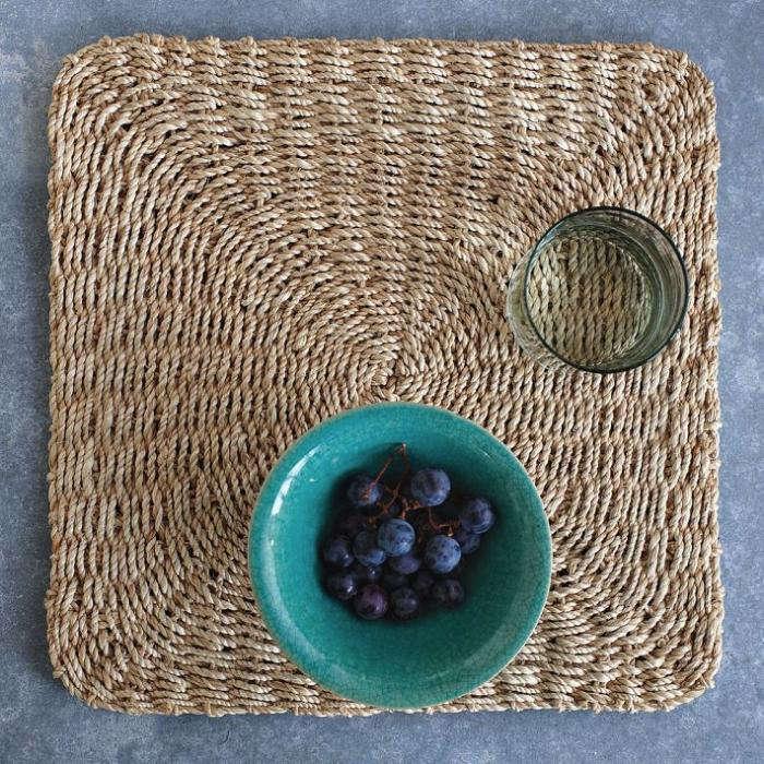 700 fiber placemats square