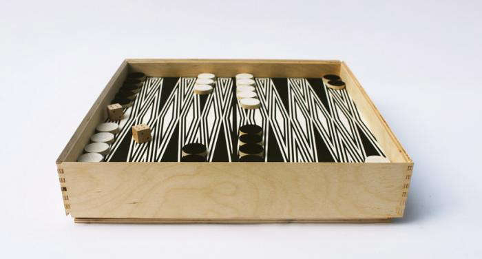 700 fredericks and mae backgammon set