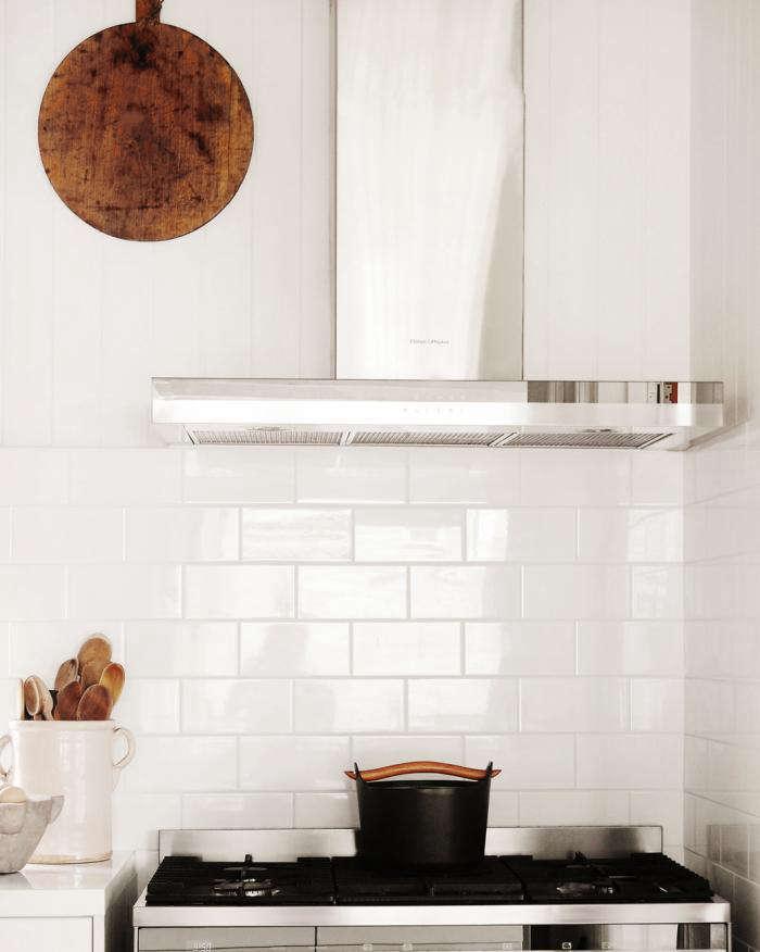 700 kitchen detail03 r crop