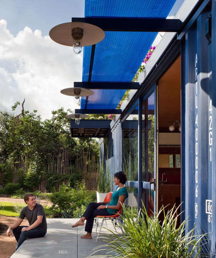 700 poteet container house 6