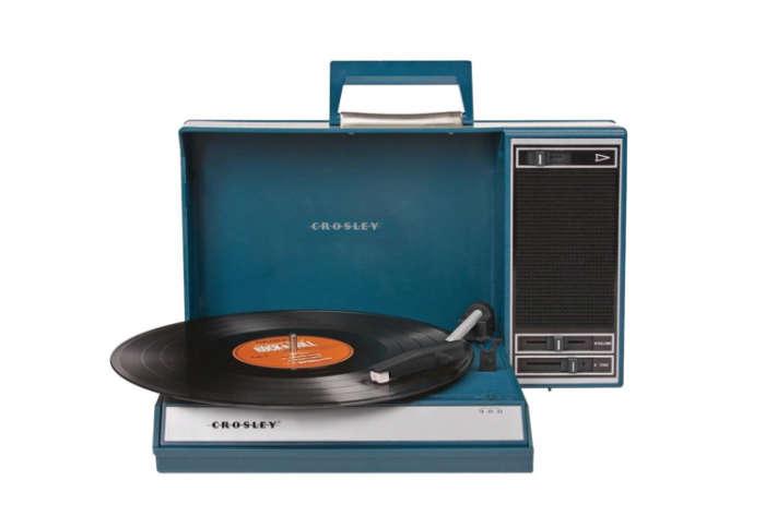 700 record player blue crosley