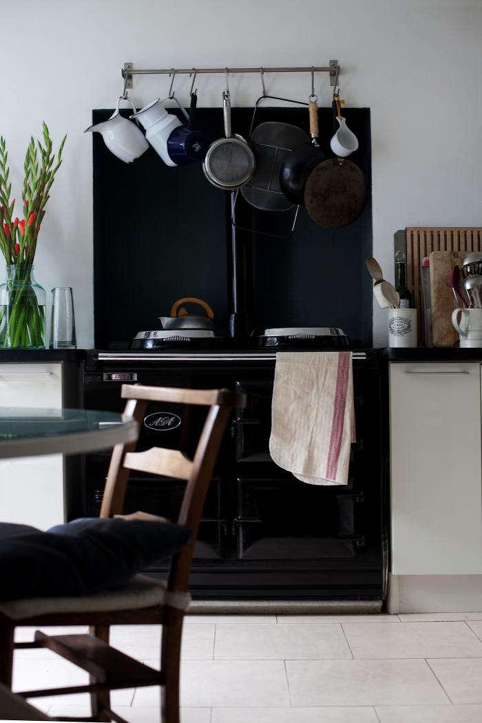 700 rmlouisa grey kitchen 03