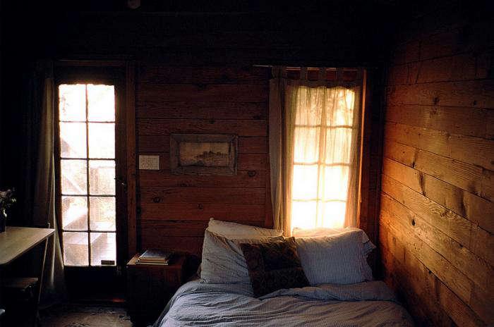 700 silverlake rustic bedroom